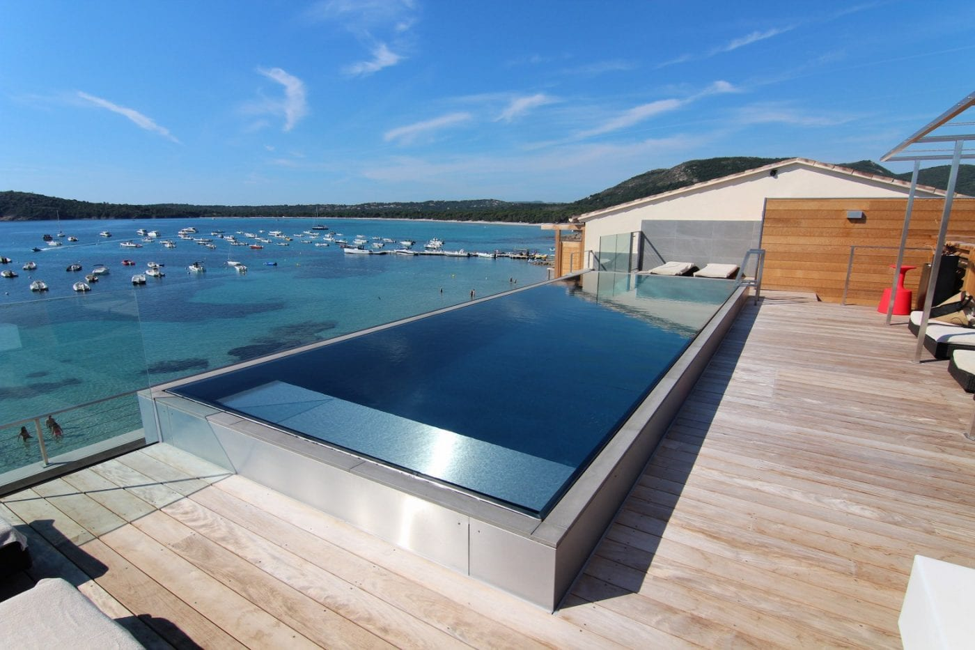 An example of a Luxe Stainless Steel Wall Swimming Pool