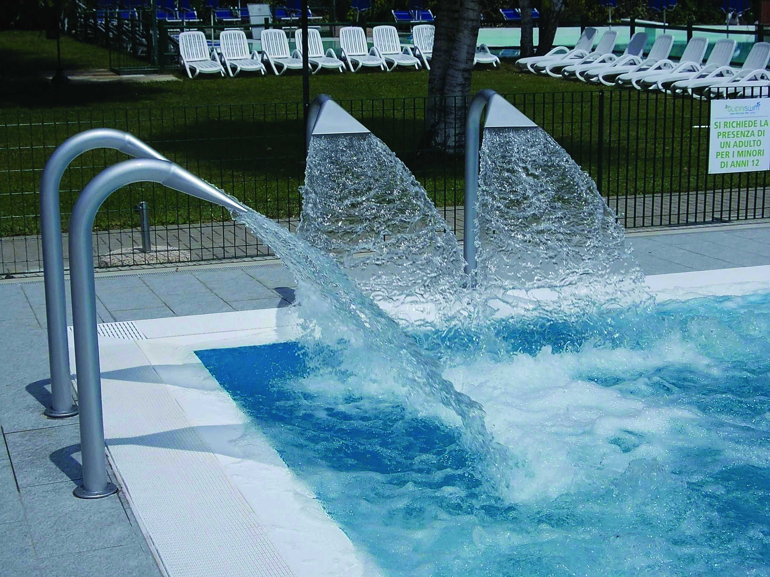 Stainless steel nozzle fountains